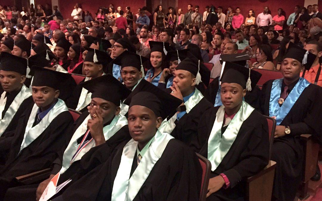 La Fundación Dominicana San Valero celebra el acto de graduación de más de 300 egresados de nueve especialidades formativas