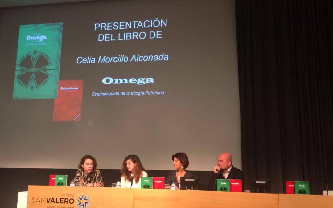 Celia Morcillo, estudiante del Centro San Valero, presenta su nuevo libro