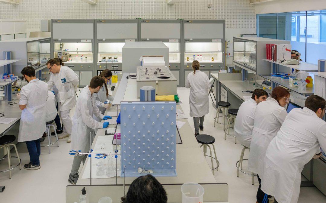 """La USJ consigue """"pleno"""" en el examen de Farmacéutico Interno Residente (FIR)"""