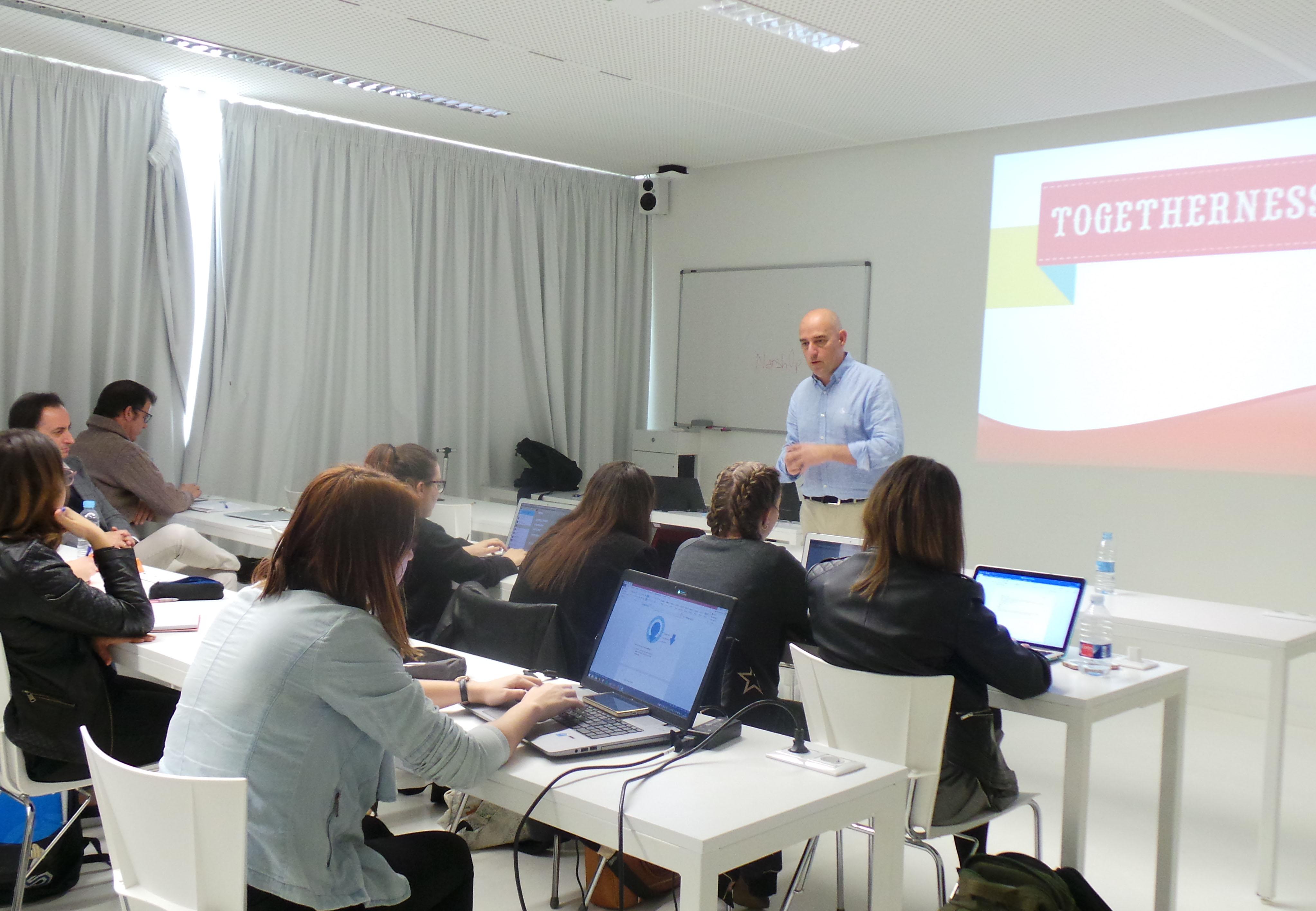 Miguel Justribó en el workshop de Telepizza del grado en Publicidad y RR.PP.