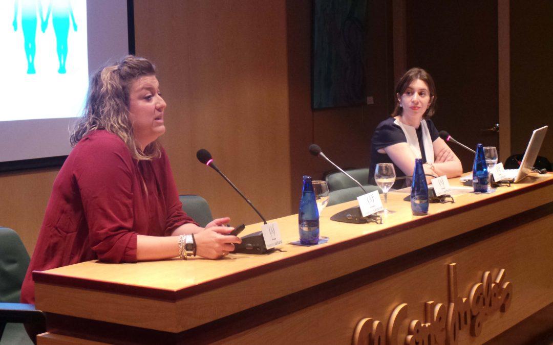 Dos profesoras del grado en Farmacia imparten una tertulia en el espacio Ámbito Cultural de El Corte Inglés
