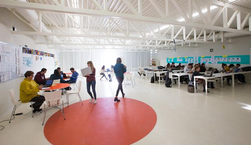 """La Universidad San Jorge colabora en la jornada """"Leer, escribir y contar: la realidad de la educación a debate"""""""
