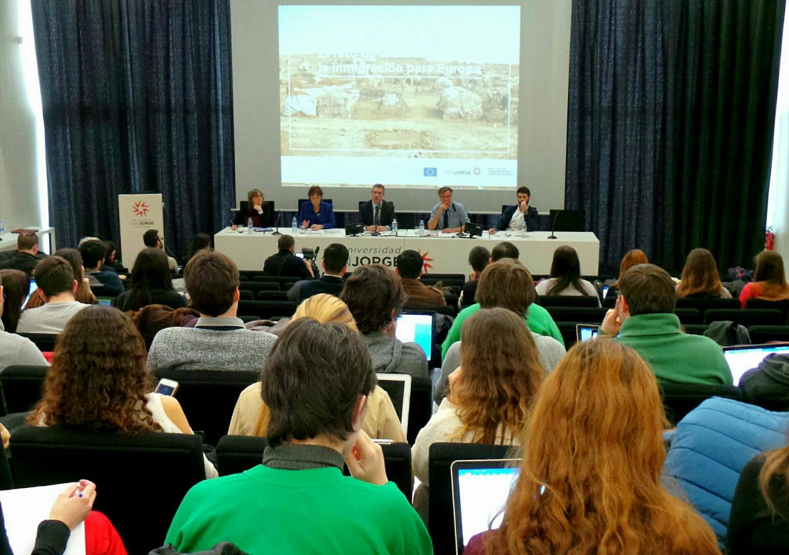 La USJ alberga un debate sobre refugiados e inmigración en Europa