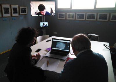 Jurado del IV Premio Internacional de Fotografía Jalón Ángel trabajando
