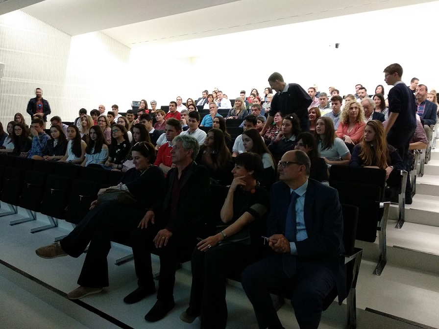 Los 'Periodistas del mañana' y 'Traductores del futuro' reciben sus premios