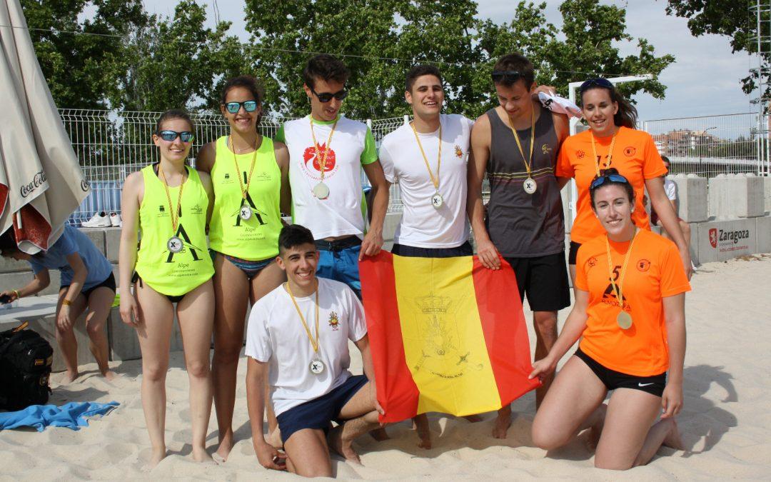Los alumnos de la USJ Julien Tauzin y Romain Beres ganan el Campeonato de Aragón Universitario de Voley Playa