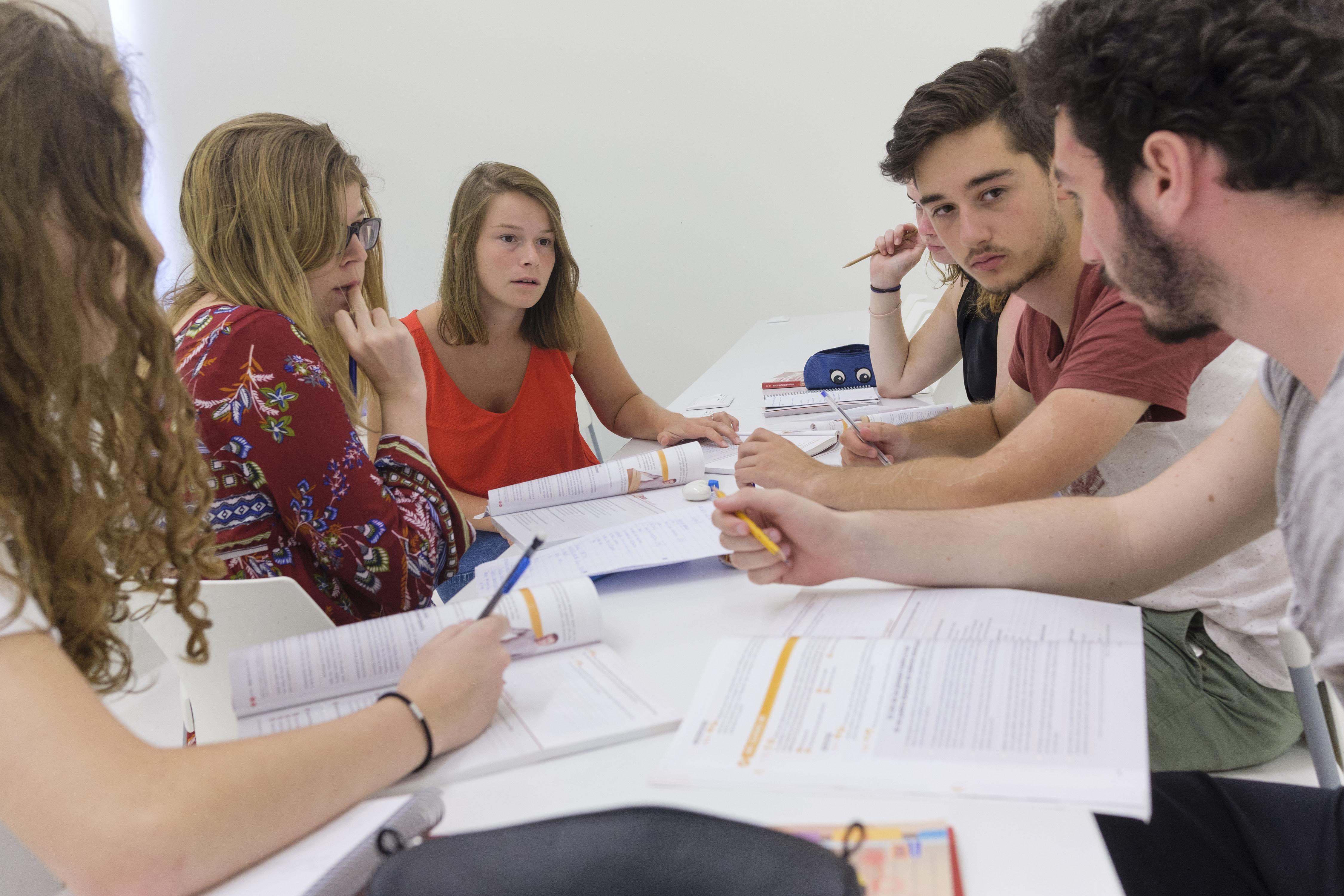 Alumnos cursos de verano Acento