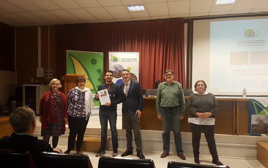 Mariano Giménez recibe el premio al mejor póster de investigación en el II Encuentro de Grupos de Investigación del IA2