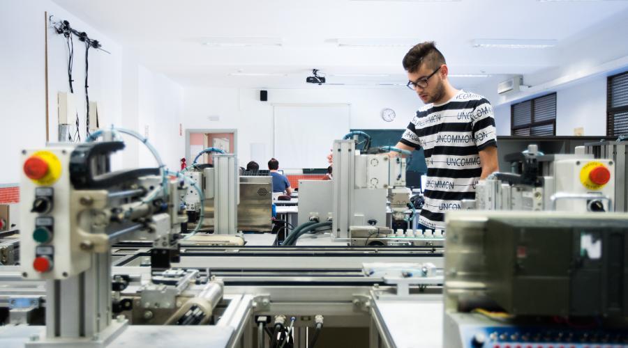 Centro San Valero pone en marcha cursos para desempleados con compromiso de contratación