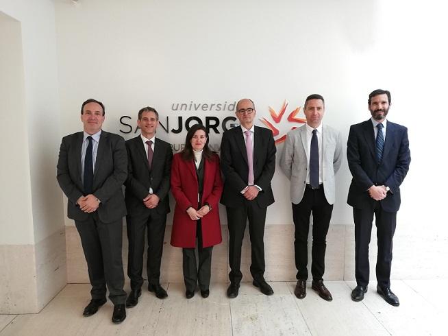 Raquel Pérez, nueva delegada de la ONCE en Aragón, visita la USJ