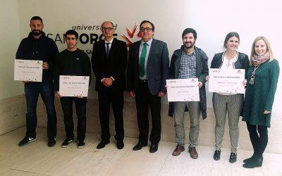Entrega de las Becas Novaltia a cuatro alumnos de Farmacia de la Universidad San Jorge