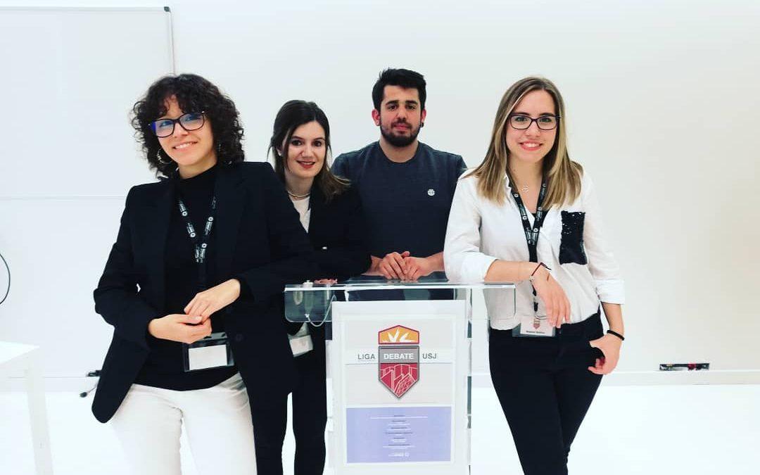 Arianna Cañete, Patricia Simón, Miguel de Diego y Raquel Ibañez ganan la primera Liga de Debate de la USJ