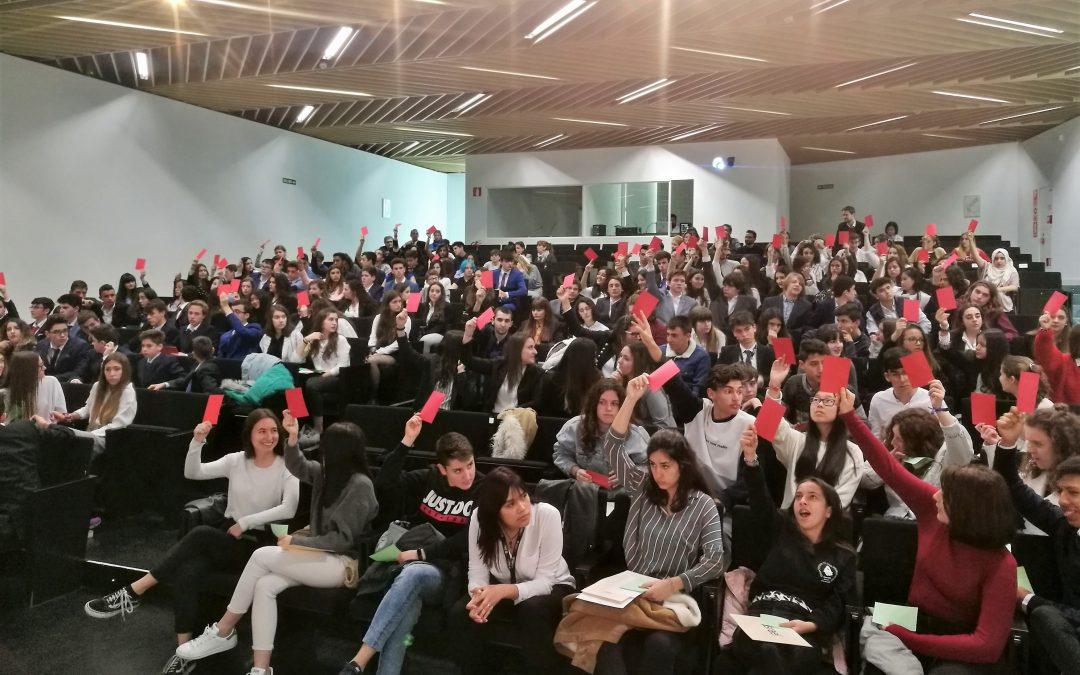 Alumnos de 10 centros educativos debaten en una nueva sesión extraordinaria del Modelo de Parlamento Europeo