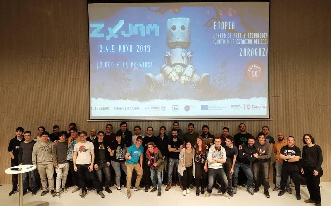 Alrededor de 40 participantes se miden en la competición de videojuegos Z-Jam