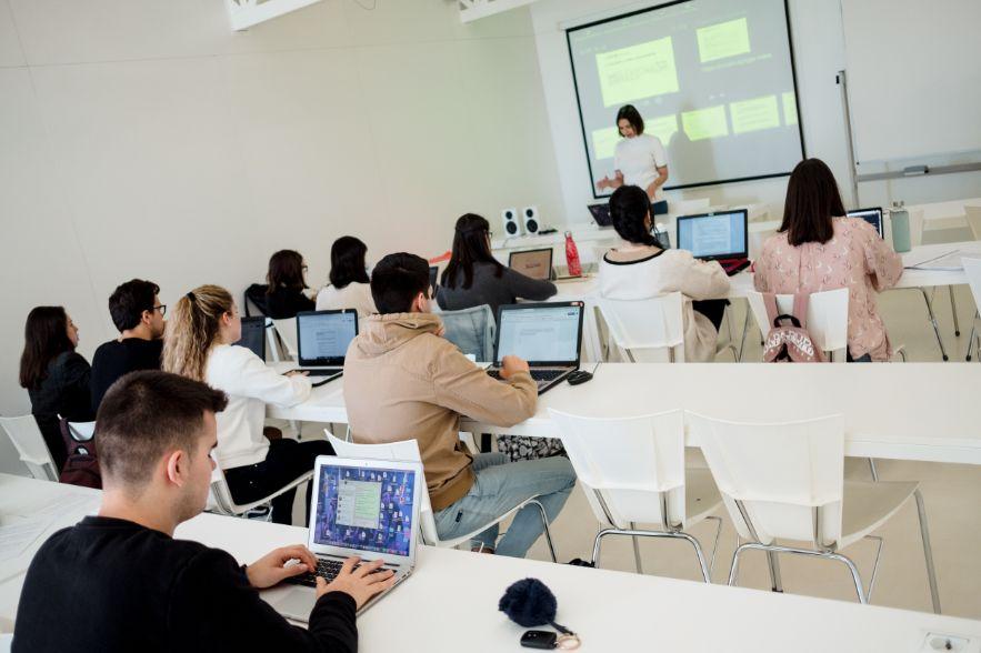 Más de una veintena de profesionales imparten clase en el máster en Marketing y Comunicación Corporativa de la USJ