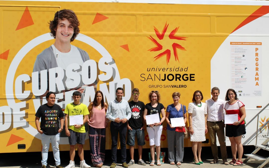Los alumnos de los cursos de verano de Arnedo reciben sus diplomas