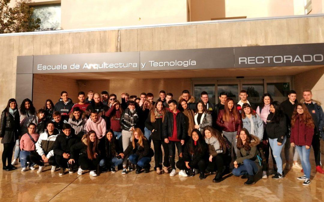 Alumnos de Administración y Finanzas de San Valero visitan la USJ y conocen las funciones de un departamento de Recursos Humanos