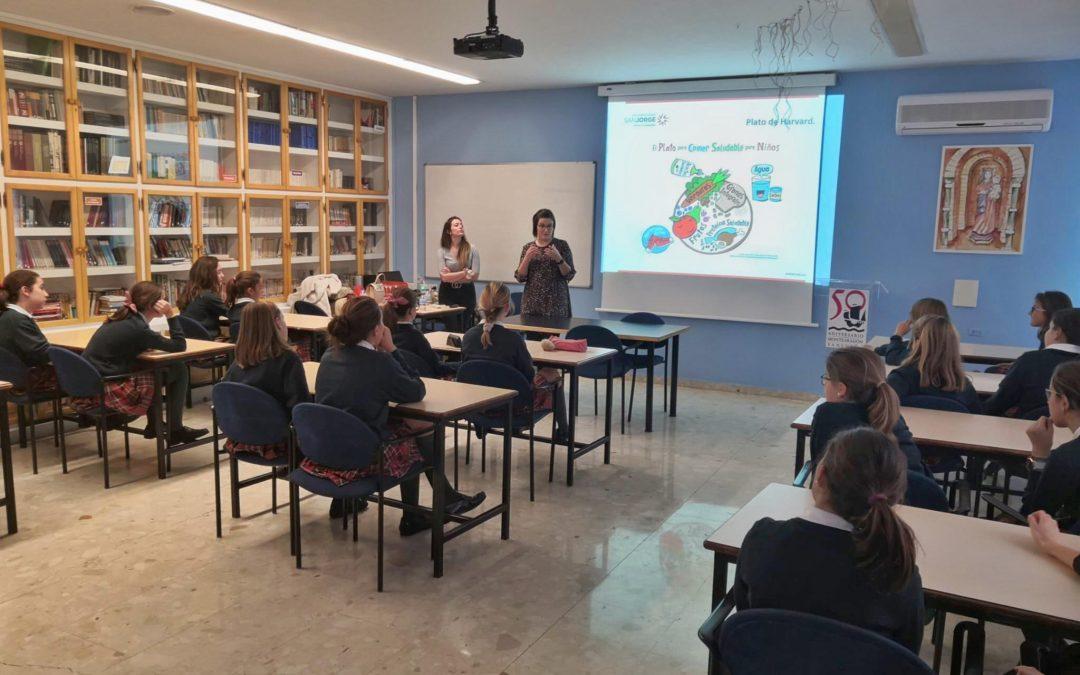 El grado en Enfermería realiza los primeros talleres de hábitos saludables en el colegio Sansueña