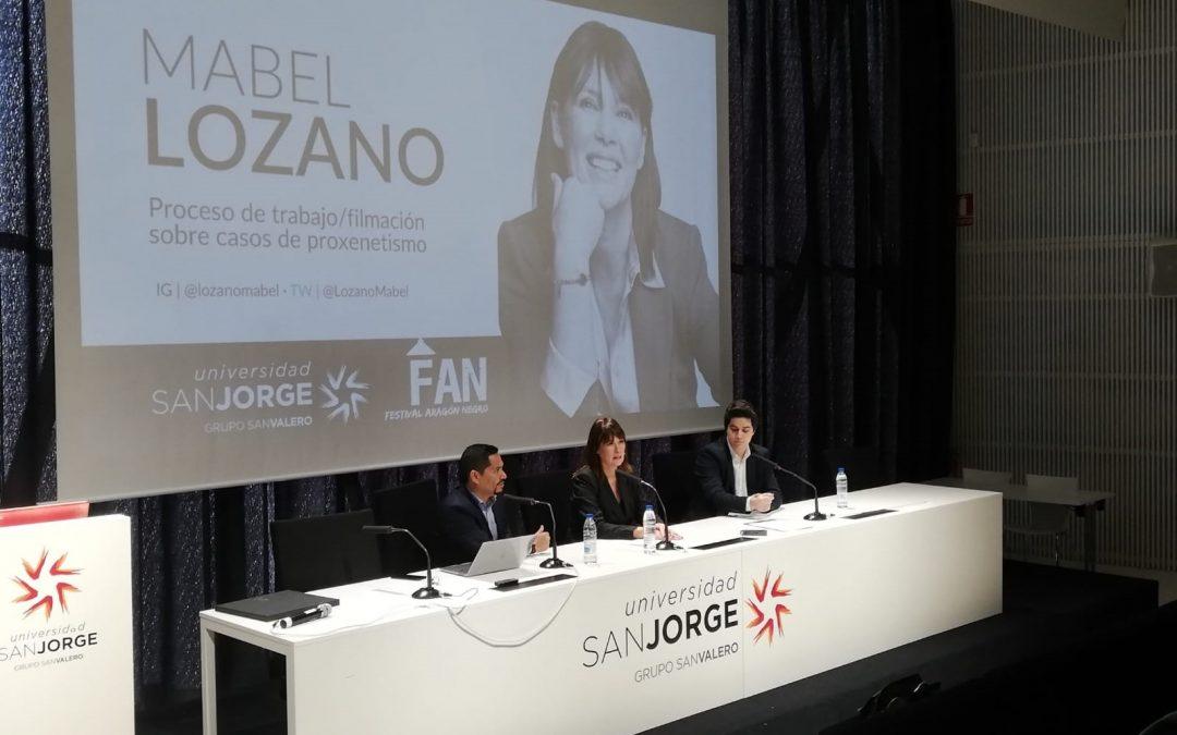 Mabel Lozano imparte una conferencia sobre periodismo y reporterismo en la USJ