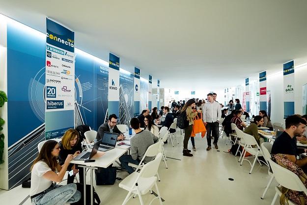 Más de 60 empresas y 125 alumnos participan en la jornada de empleabilidad USJ Connecta -PowerYouXperience