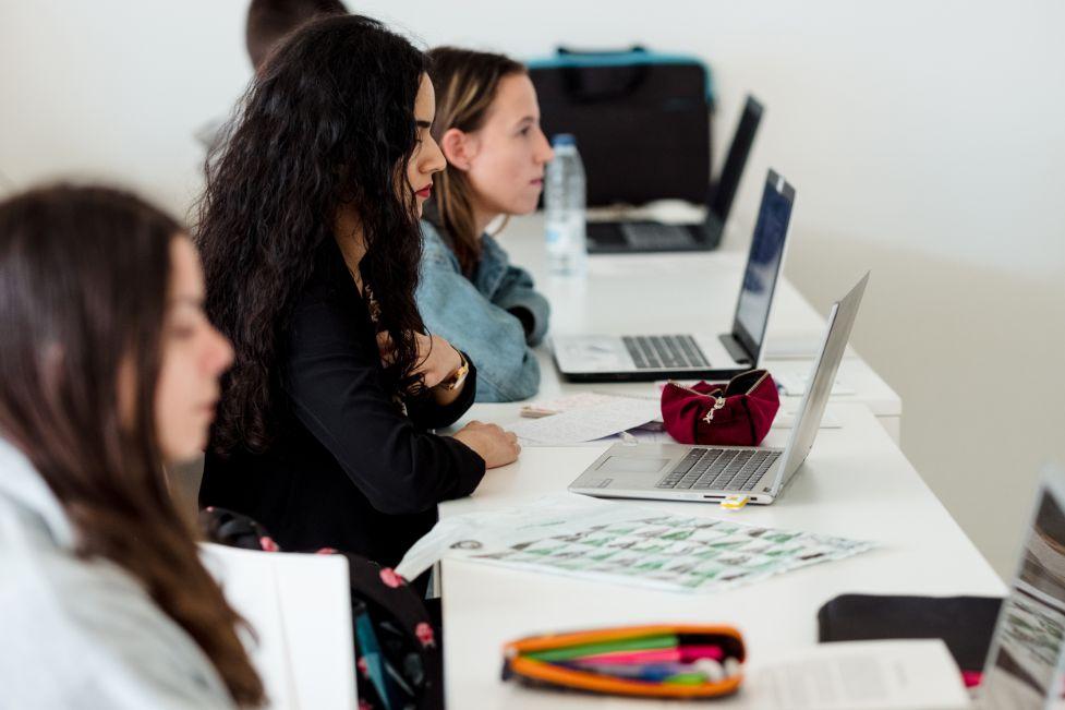 El MBA de la Universidad San Jorge forma al alumno en habilidades directivas y de creación de empresas con una propuesta eminentemente práctica