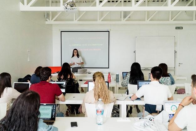 El máster en Marketing y Comunicación Corporativa recibe a 26 profesionales para que los alumnos conozcan las últimas tendencias comunicativas