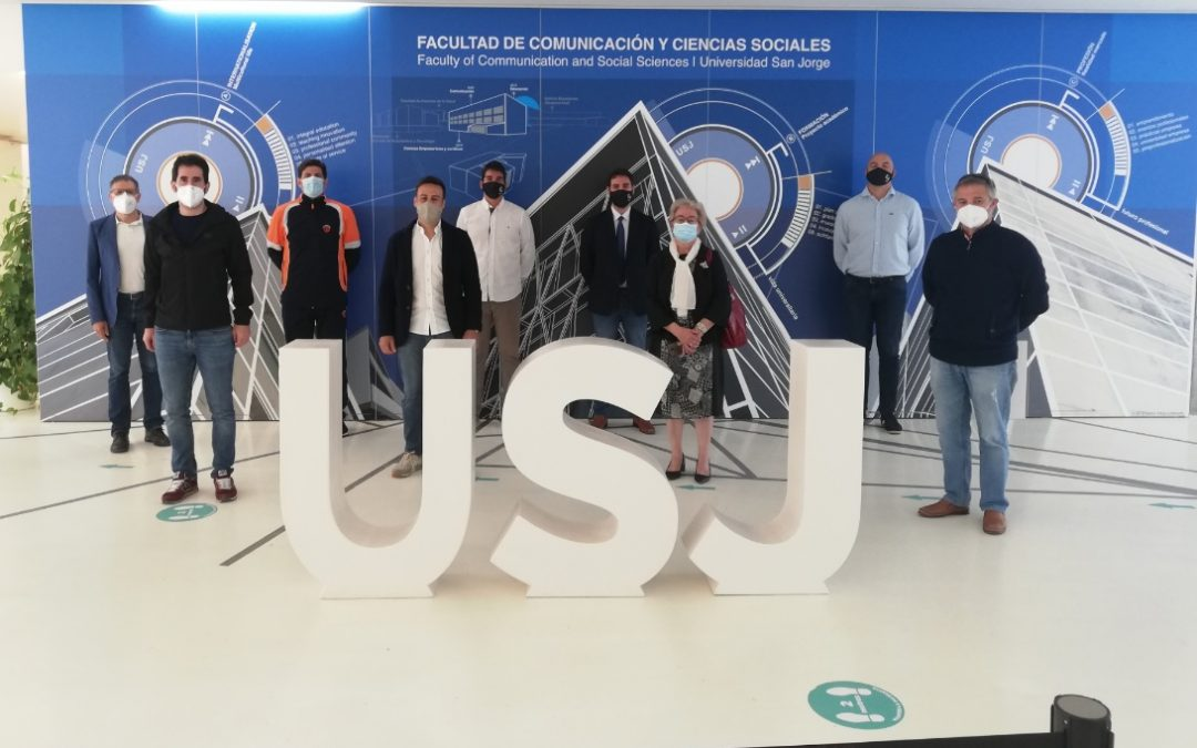 El grado en CCAFD de la USJ entrega los premios del concurso Antorcha a Tokio USJ a los colegios ganadores, Marianistas y Teresiano del Pilar