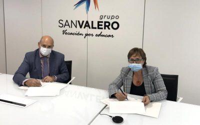 El Grupo San Valero firma un convenio con la escuela de Hostelería Guayente por el que financiará dos becas para este curso