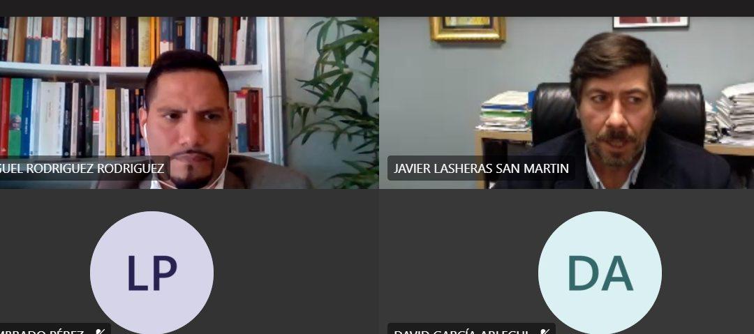 Los alumnos de Periodismo aprenden sobre el uso de cámaras ocultas en reportajes de investigación con Javier Lasheras
