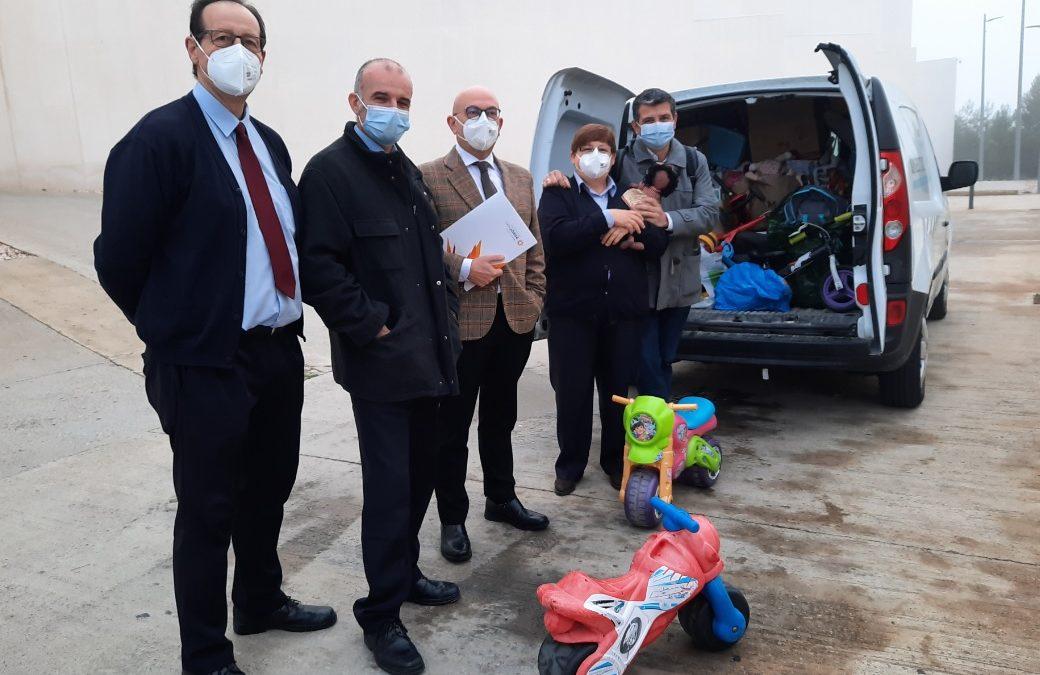 La USJ participa en campañas solidarias de recogida de alimentos y juguetes