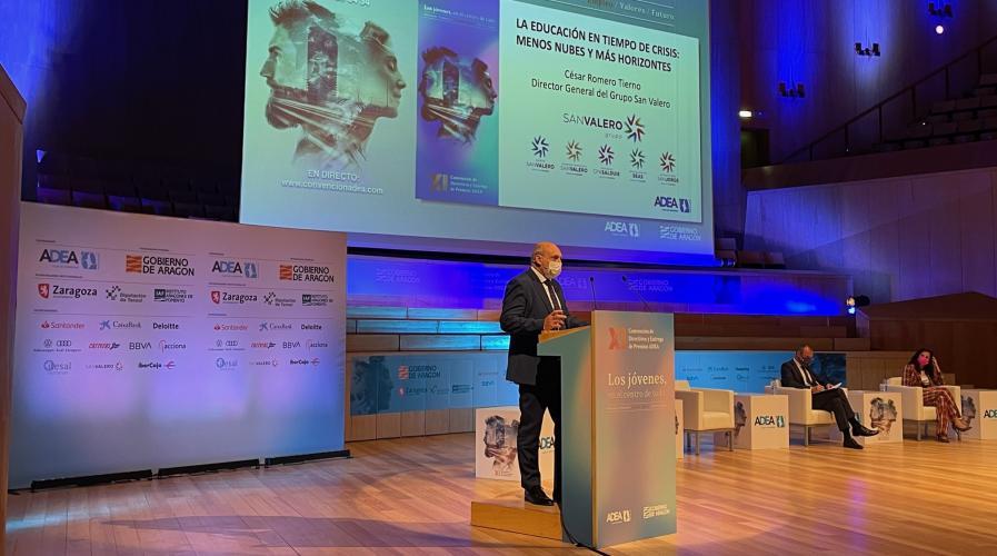 César Romero habla sobre educación en la Convención de Directivos de ADEA