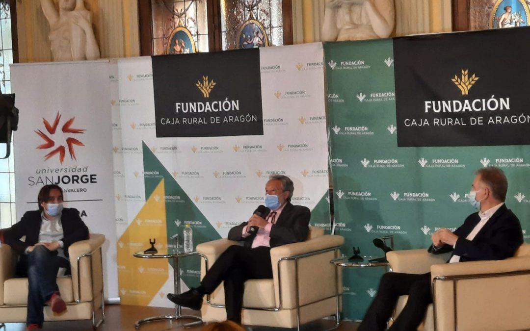 Luis del Val comparte su experiencia profesional como periodista y escritor en un ciclo de conversaciones organizado por Cultura USJ