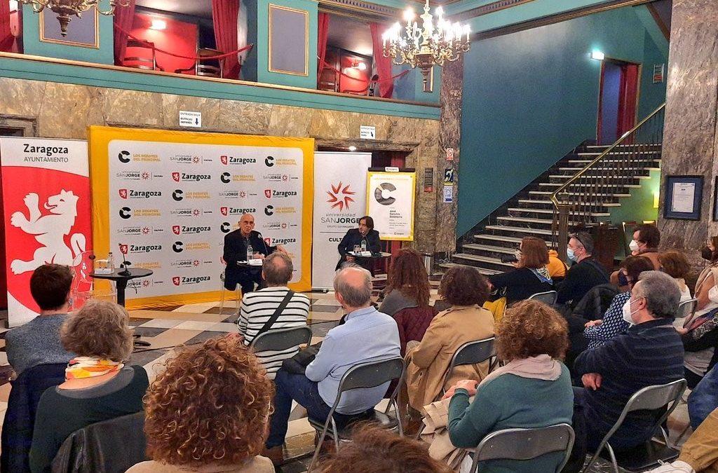 El director teatral José Sanchis Sinisterra comparte su experiencia profesional y personal en Los debates del Principal