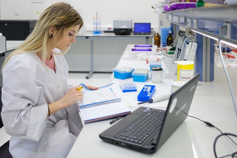 La Universidad San Jorge impartirá un máster en Biología Sanitaria que especializará al estudiante a través de la práctica clínica y la investigación en salud