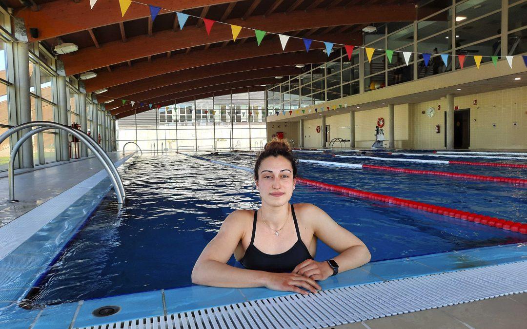 Ana Muñoz, la alumna de CCAFD y deportista de alto rendimiento que hizo de la natación su vía para ser más humilde, constante y resiliente