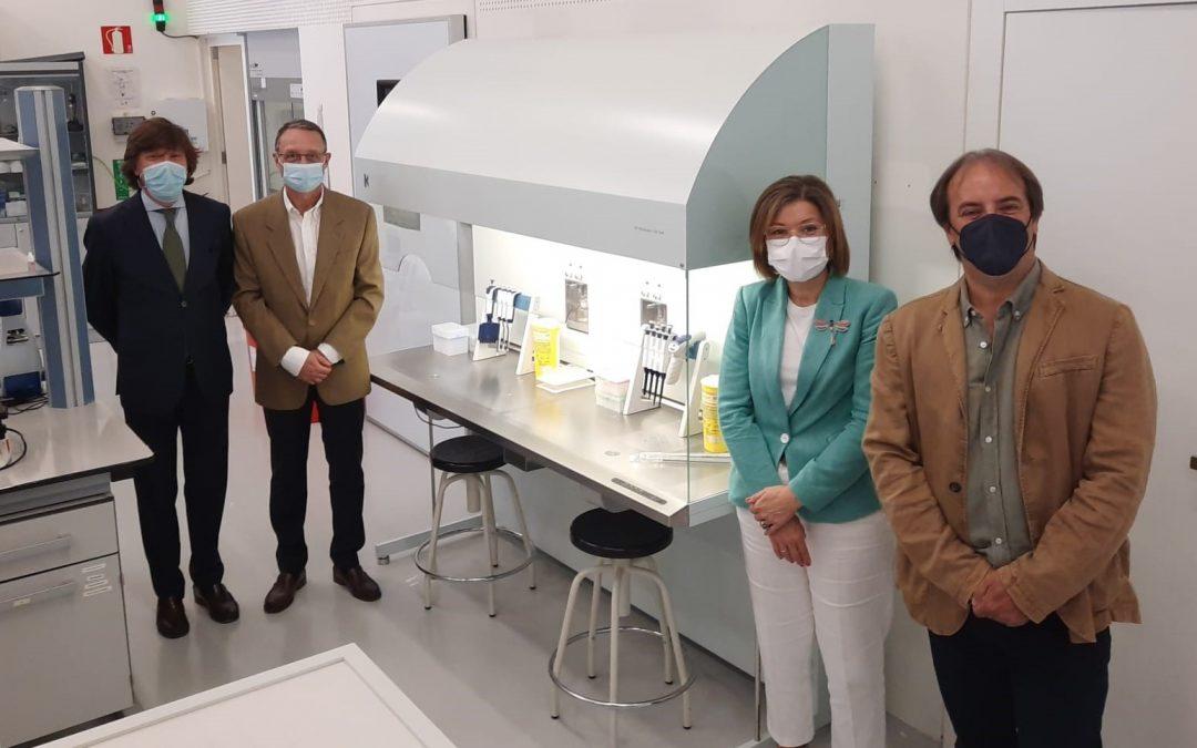 El hospital Quirón de Zaragoza dona una cabina de seguridad biológica a la Universidad San Jorge que permitirá investigar en condiciones óptimas de esterilidad
