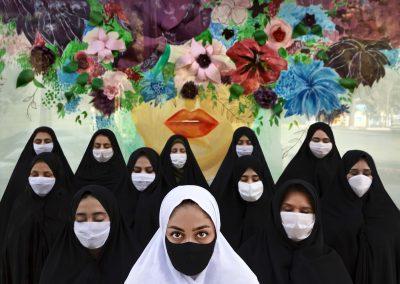 'Masked Women' de Hadi Dehghanpour (Sabzevar, Irán) - Mención especial categoría Consecuencias de la covid19