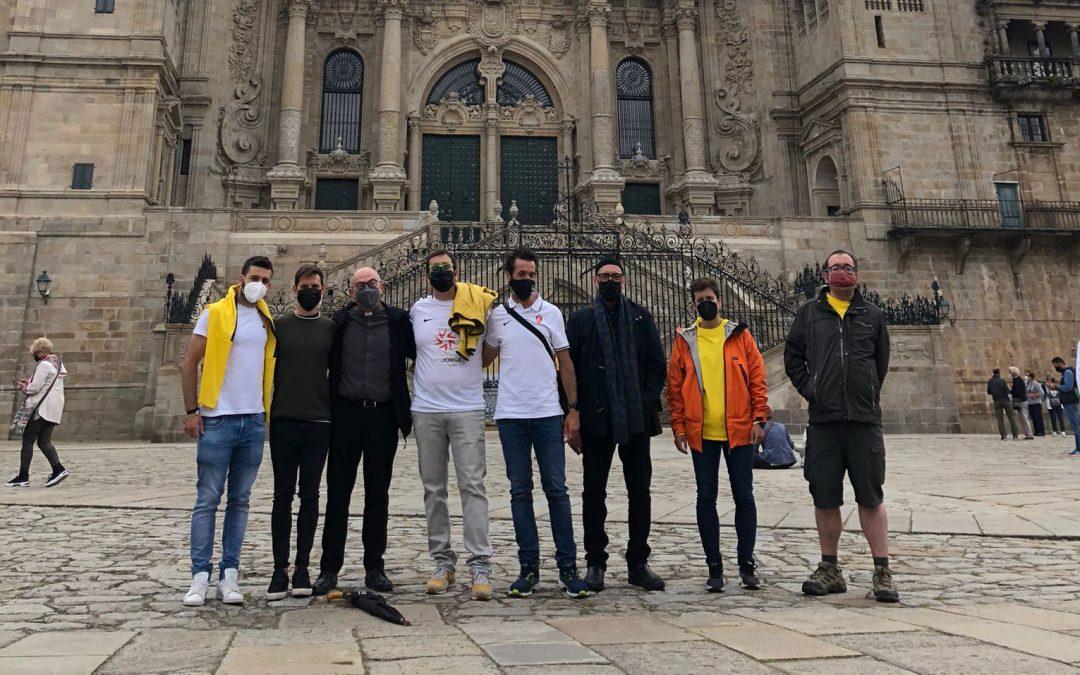 Los miembros del equipo del Reto Santiago 776 llegan a Santiago de Compostela más unidos que nunca