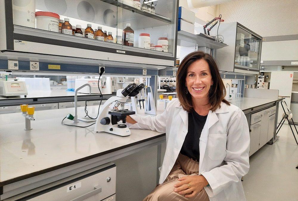 El máster en Dirección Técnica de Laboratorios Farmacéuticos permite trabajar en distribución y comercialización de medicamentos e industria farmacéutica, cosmética y alimentaria