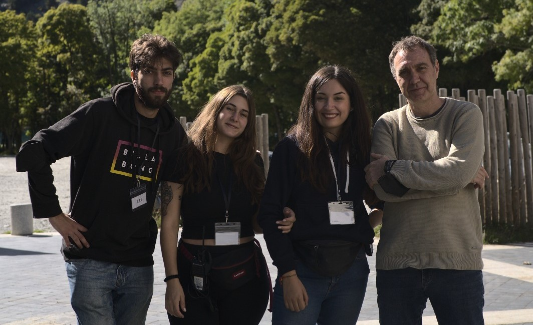 Cuatro alumnos de Comunicación Audiovisual, en el rodaje de la película «Edén»