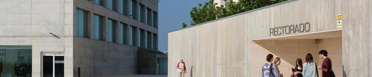 Foto panorámica de la Escuela de Arquitectura y Tecnología.Organigrama, instalaciones, estudios.
