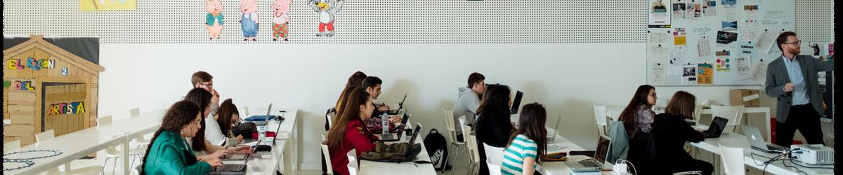 Alumnos del grado de Educación Primaria de la Facultad de Comunicación y Ciencias Sociales