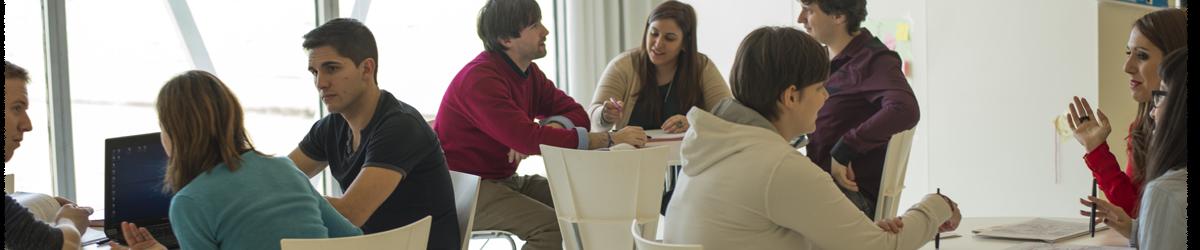 Alumnos del Profesorado de Educación Secundaria Obligatoria y Bachillerato, Formación Profesional y Enseñanzas de Idiomas en clase