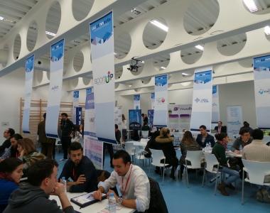 Conexión de empresas con alumnos en la jornada USJ Connecta