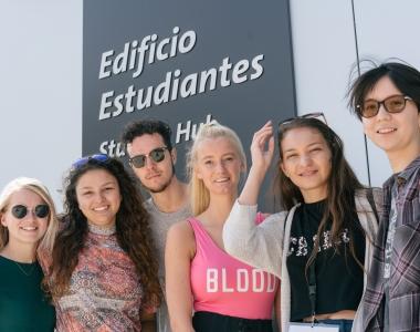 Alumnos incoming en el Edificio de Estudiantes de la Universidad San Jorge