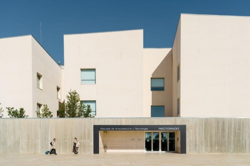 Fachada del edificio de Rectorado de la Universidad San Jorge