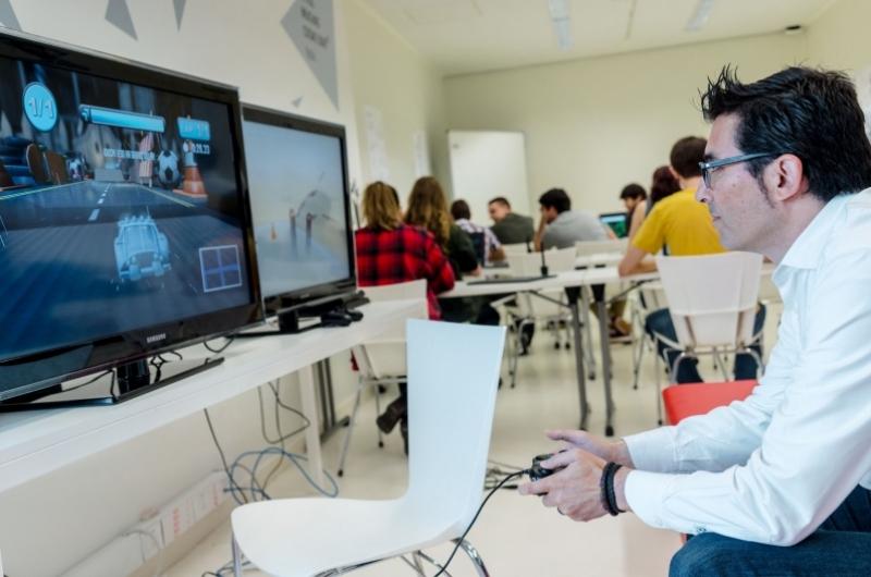 Profesores y alumnos del grado Ingeniería Informática&Diseño y Desarrollo de Videojuegos