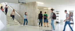 Memoria 2015-2016 Grupo San Valero. Hall de la Facultad de Comunicación y Ciencias Sociales.