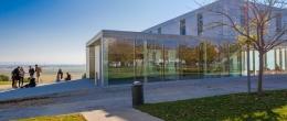 Edificio Estudiantes. Beca a la excelencia.